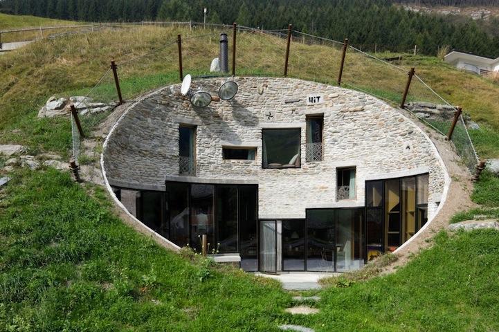 Casa construída no interior de uma montanha! Com um interior impressionante!