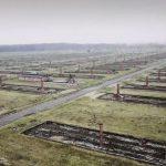 """Campo de concentração de Auschwitz, o """"campo da morte"""", filmado por um drone!"""