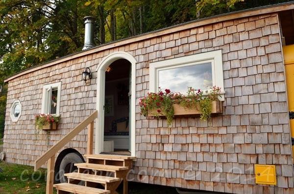 Antigo autocarro escolar é transformado numa incrível casa!