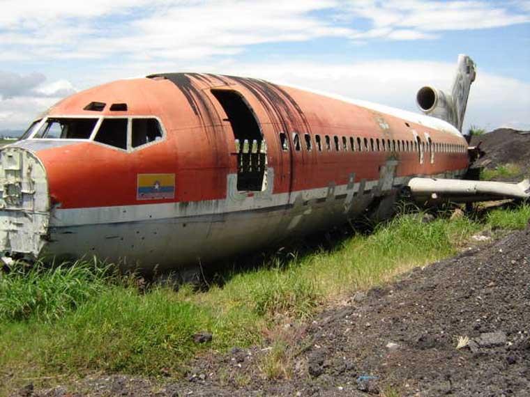 Não vais acreditar no que fizeram com este velho e ferrugento avião!