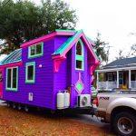 O interior desta casinha colorida vai te deixar maravilhado! É inacreditável!