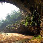 Um agricultor descobriu uma caverna nunca antes explorada, e ficou impressionado para toda a sua vida!