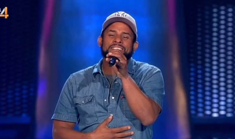 Bob Marley reencarnou! Que voz incrível! Que talento!