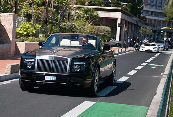 The Wraith Car >> Os 10 carros mais caros e luxuosos do Cristiano Ronaldo ...