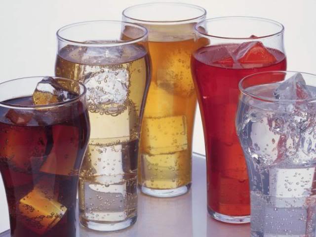 Bebidas com gás fazem tão mal ao nosso fígado como o álcool!