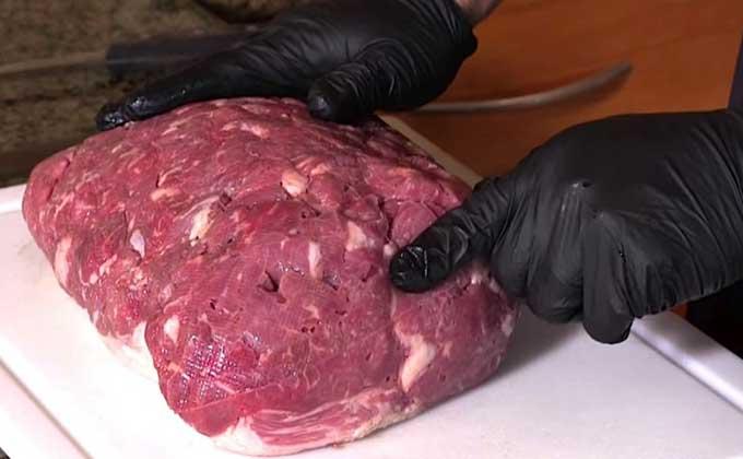 Parece um pedaço de carne normal certo? Não imaginas como foi criado… É preocupante!