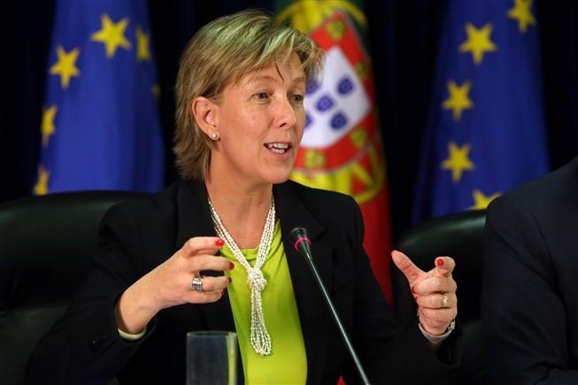 Mais um escândalo que nos empobrece a todos… Desta vez a ministra das finanças, Maria Albuquerque