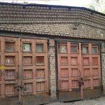 Um tio deixou-lhe esta velha garagem de herança… Quando abriu as portas… Não queria acreditar no que via!