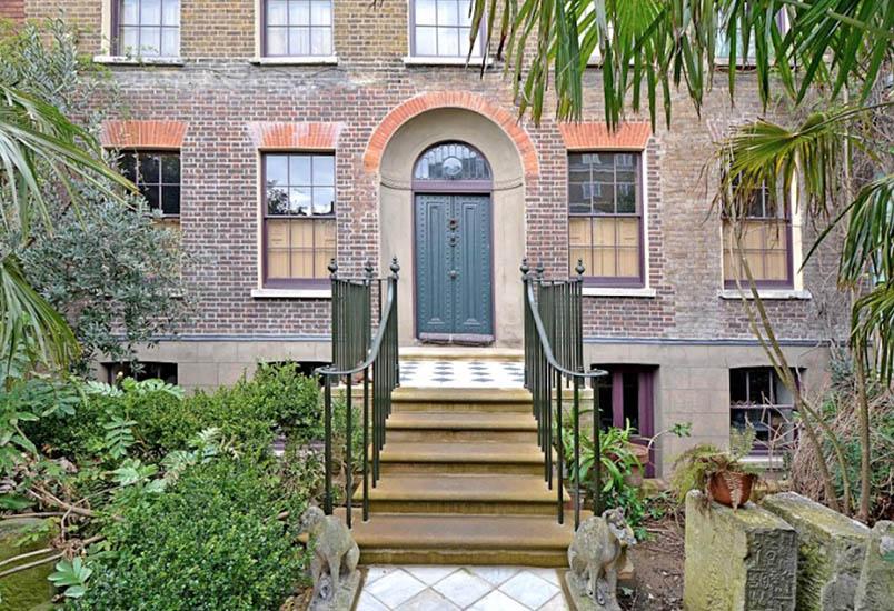 Esta mansão esteve fechada desde 1895… Quando vires o que estava no interior… Inacreditável!