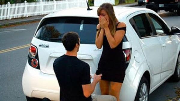 Ele pediu a namorada em casamento mas ela recusou por ele ser pobre! O que acontece 10 anos depois é uma reviravolta completa!
