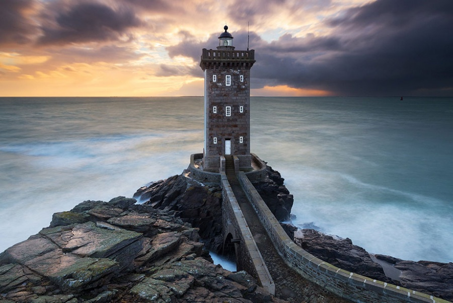 235910-amazing-lighthouse-landscape-photography-18-900-1464685451