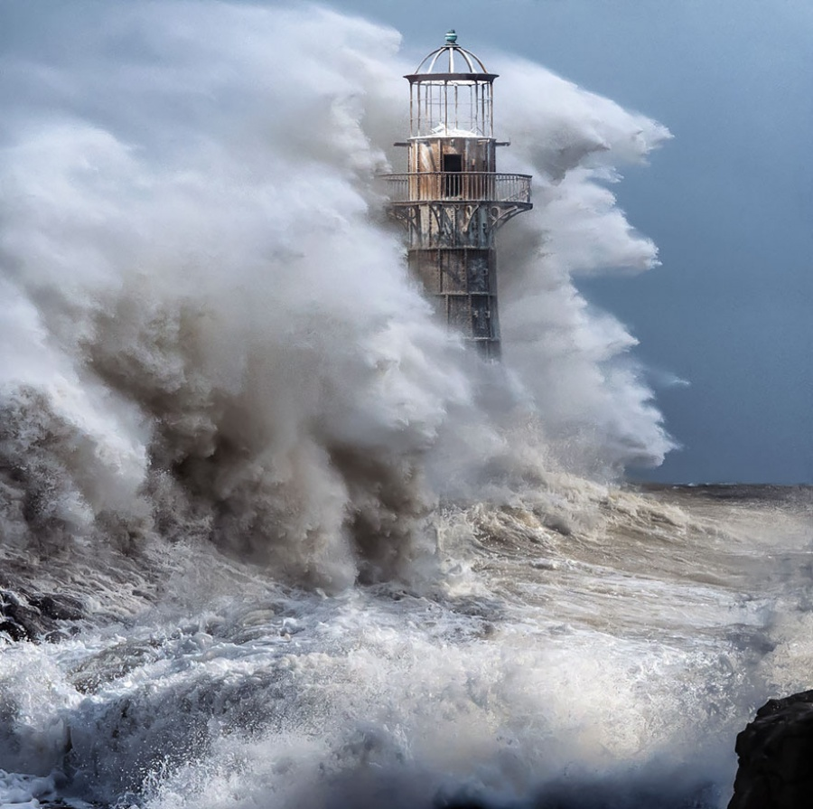 236610-amazing-lighthouse-landscape-photography-666-900-1464685451