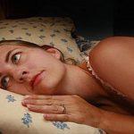Dificuldade em adormecer? Luta contra a insónia? Isto vai fazer com que adormeças sempre em poucos minutos!