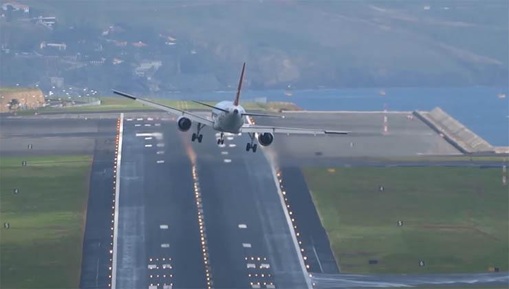 Avião faz 4 tentativas assustadoras para aterrar no aeroporto mais perigoso do mundo… É simplesmente aterrorizante!