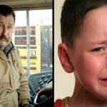 O motorista deste autocarro viu o menino a chorar com as mãos vermelhas… O que ele fez a seguir vai deixar-te surpreendido!