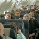Os passageiros deste avião caíram no sono… Quando acordaram ficaram surpreendidos com o que aconteceu! Nunca esperavam algo assim!