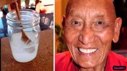 Sabes porque os monges tibetanos tem dentes tão brancos? É tudo graças a isto…