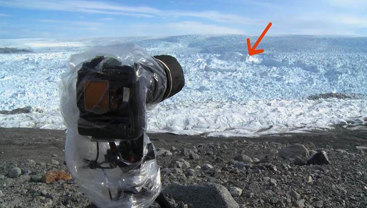 Ele deixou a câmara a filmar aquele local deserto… O que ele filmou… Deixou-o aterrorizado! A verdade que ele descobriu…