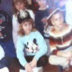 A professora encontrou uma foto de turma 30 anos depois. O que ela depois descobriu vai te emocionar!