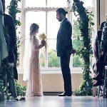 A noiva tem 11 anos e o noivo 35… É chocante o que fizeram os pais da noiva no casamento…