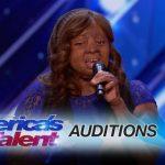 Esta mulher sobreviveu à queda de um avião e agora decidiu mostrar o seu talento no America's Got Talent!