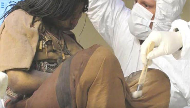 Esta menina esteve congelada durante 500 anos… Quando a examinaram, os cientistas fizeram uma descoberta incrível!