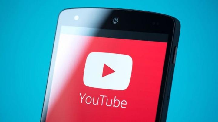 Truque para ouvir música no Youtube no telemóvel com o ecrã desligado