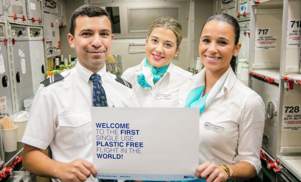 Companhia aérea portuguesa Hi Flytornou-se na primeira do mundo a viajar sem plástico
