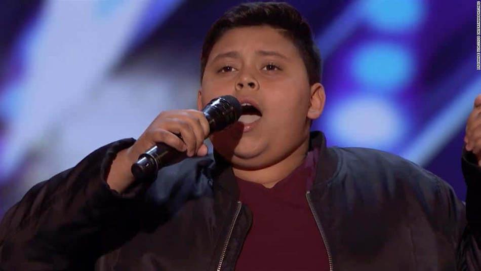 Luke de 12 anos encantou todos com a sua voz fantástica no America's Got Talent