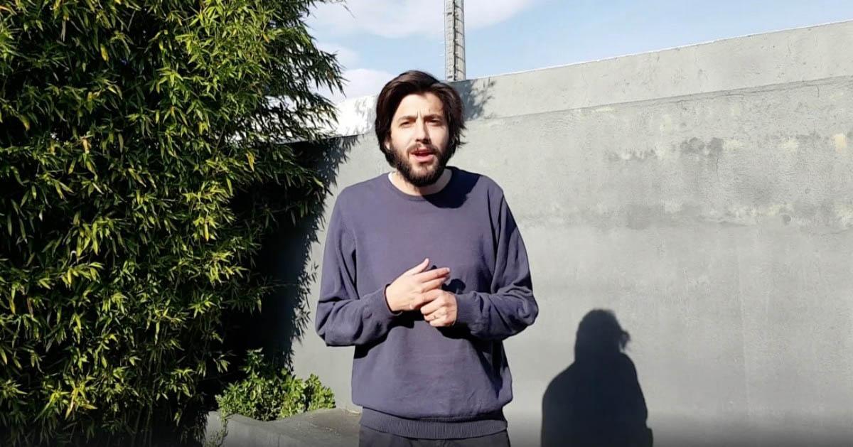 """Salvador Sobral vai dar concerto """"online"""" hoje à noite para quem ficar em casa"""